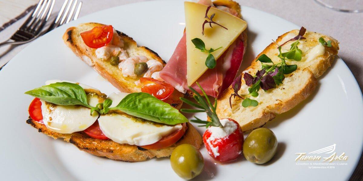 Bruschettas prosciutto prawns sprouts mozzarella closeup tavern arka zaton dubrovnik