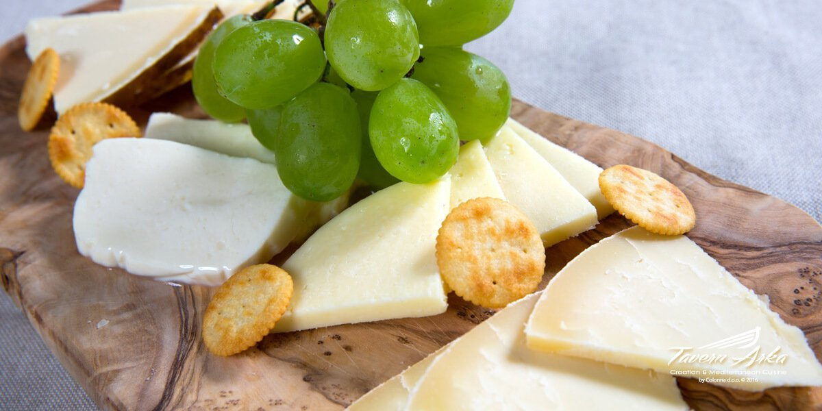 Cheese platter closeup tavern arka zaton dubrovnik