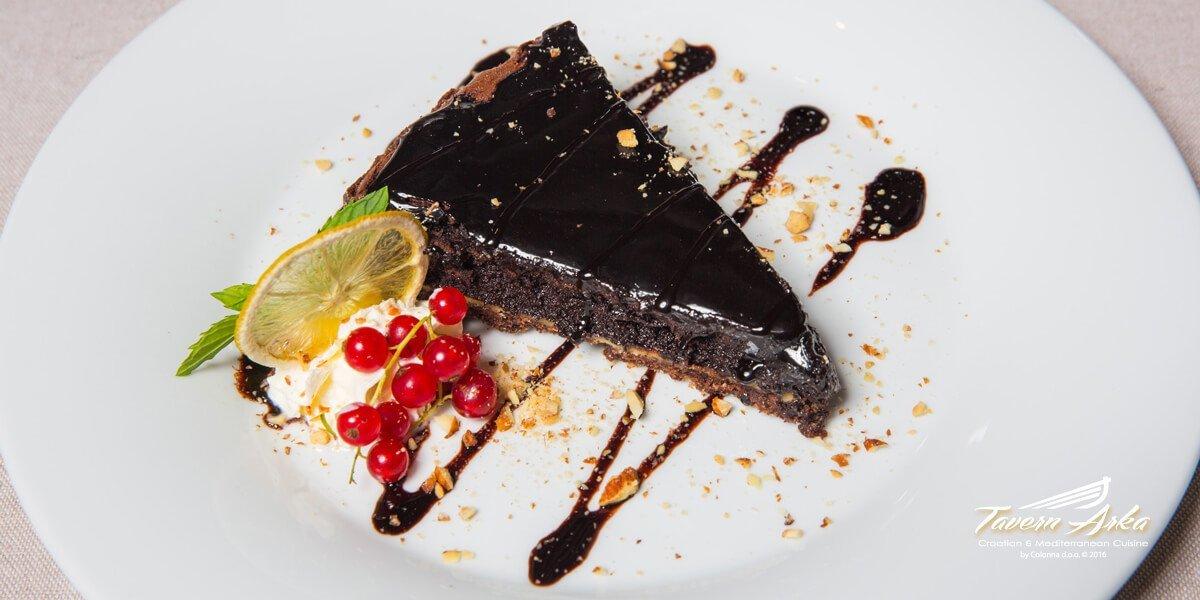 Chololate peanut butter tart closeup tavern arka zaton dubrovnik