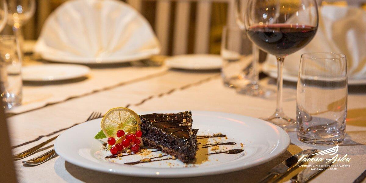 Chololate peanut butter tart serving closeup tavern arka zaton dubrovnik
