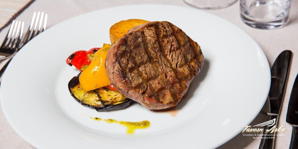 Fillet Steak beef tenderloin potatoe vegetables closeup tavern arka zaton dubrovnik
