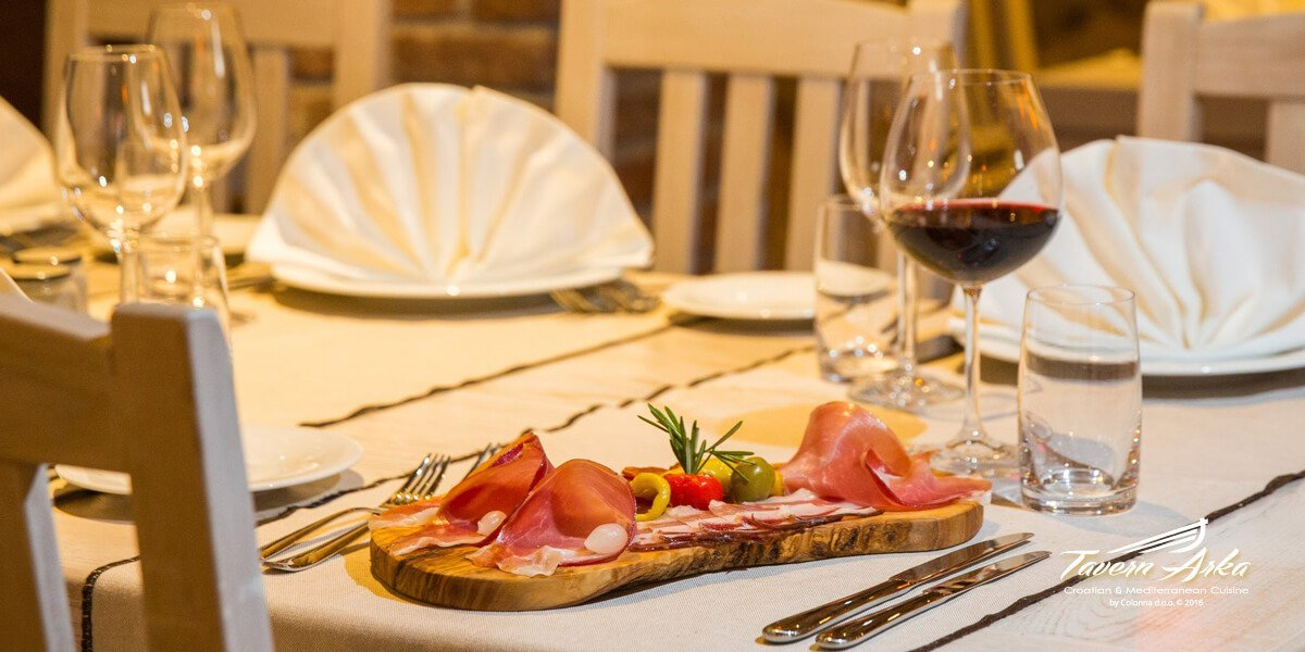 Selection cold cuts prosciutto seka sausage sirloin steak serving tavern arka zaton dubrovnik