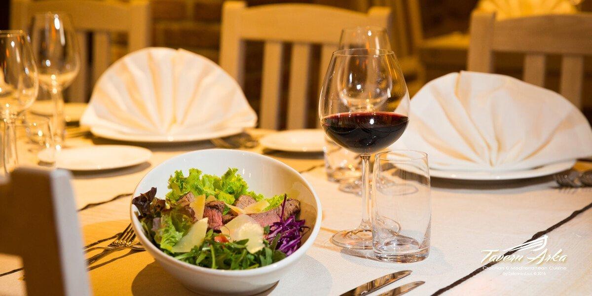 Steak salad arugula tomato parmesan served tavern arka zaton dubrovnik