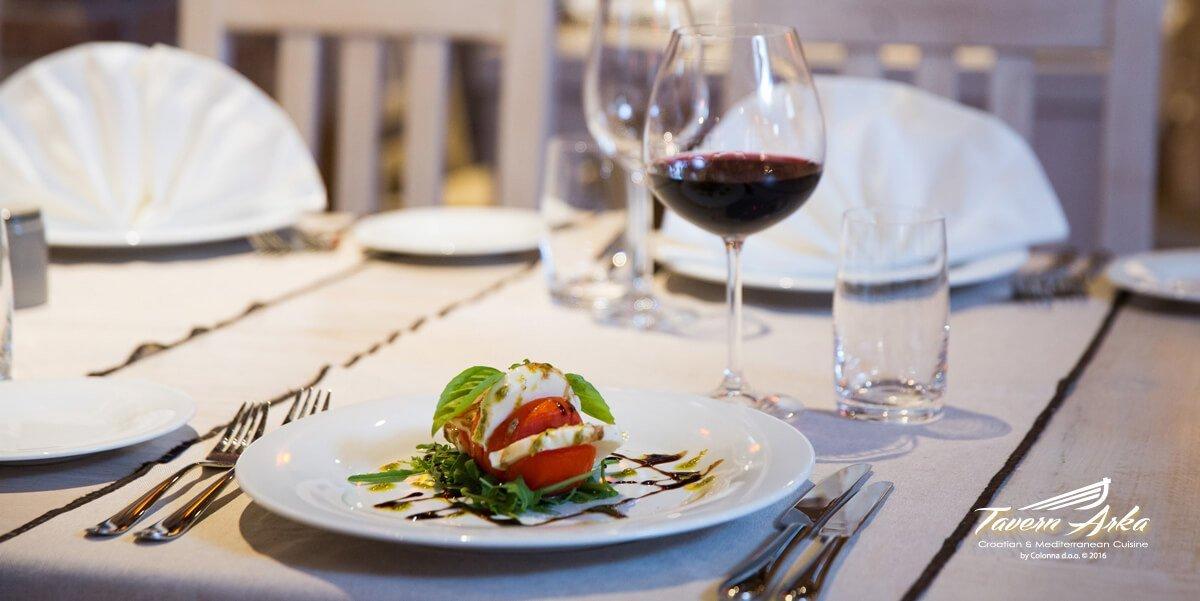 Tomato buffalo mozzarella salad dish serving closeup tavern arka zaton dubrovnik