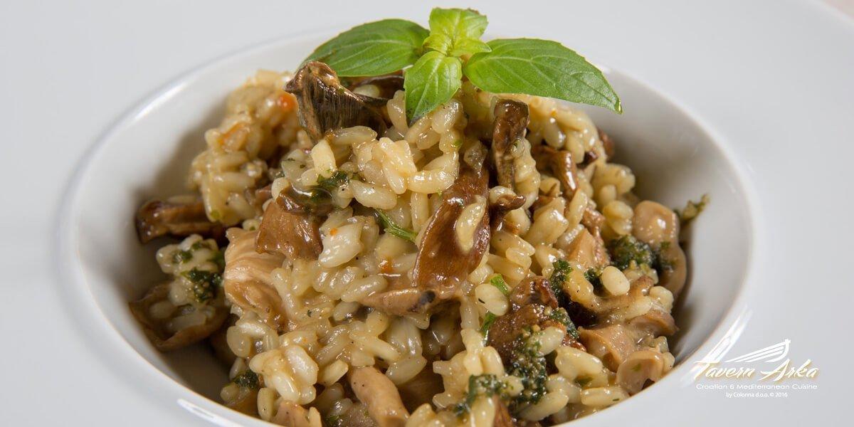 Wild mushrooms asparagus rissoto tavern arka zaton dubrovnik closeup